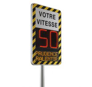 Radar préventif avec message prudence ralentir